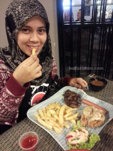 food blog-model cantik