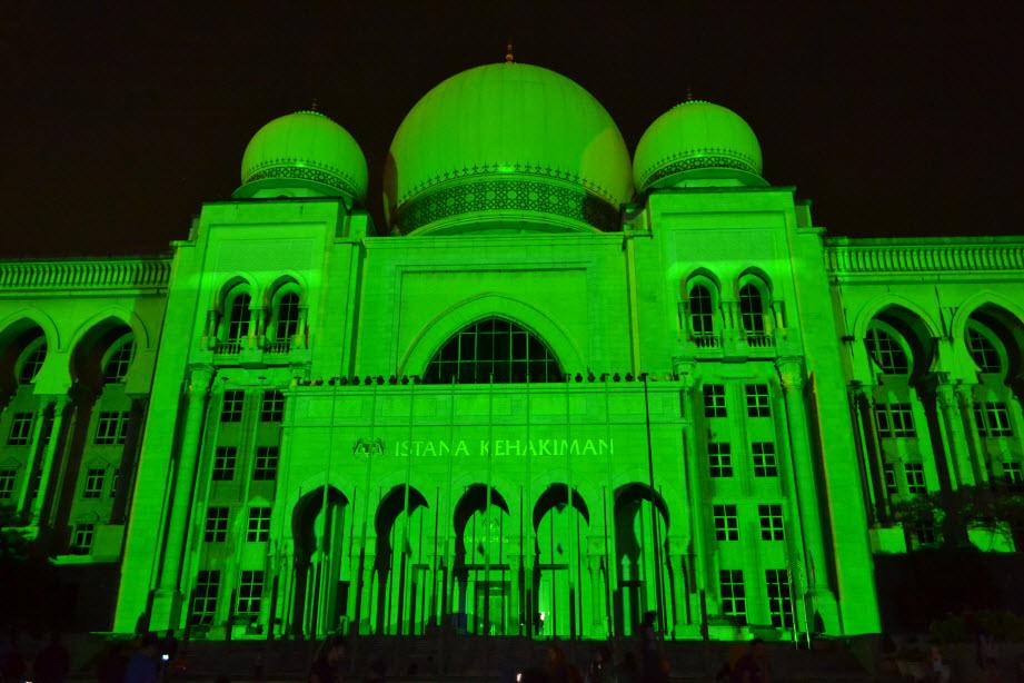 LAMPU Light Of Motion Putrajaya 2014-hijau