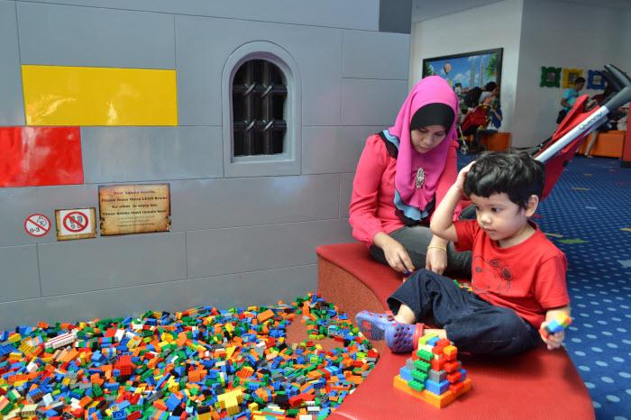 Khair main Lego