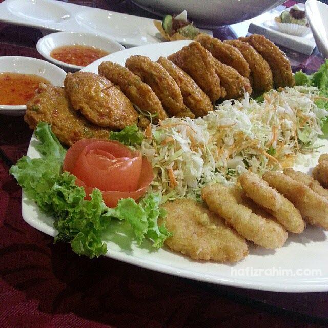 Prawn and Fish Cake Combo by Khrua Thai