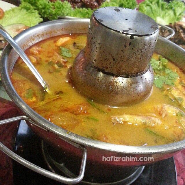 Seafood Tom Yam by Khrua Thai