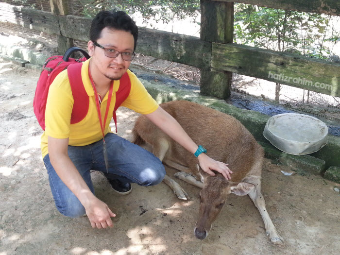 Hafiz Rahim bersama rusa