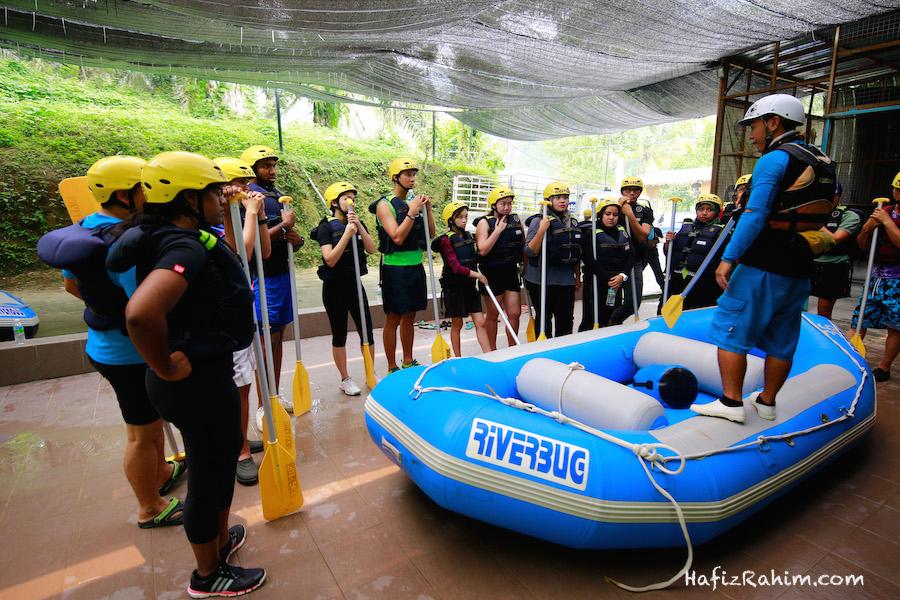 Briefing water rafting