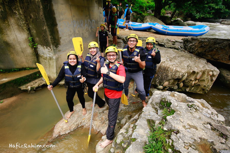 Pengalaman sukan ekstrem water rafting