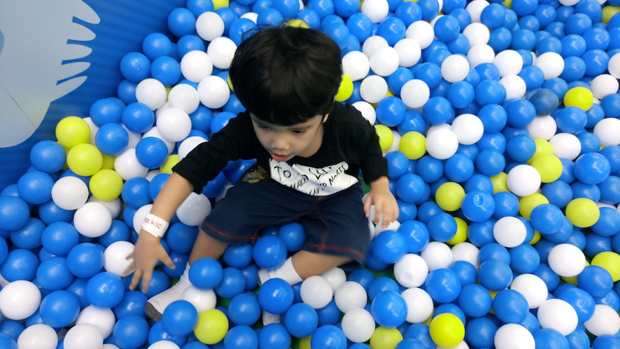Indoor playground bola plastik