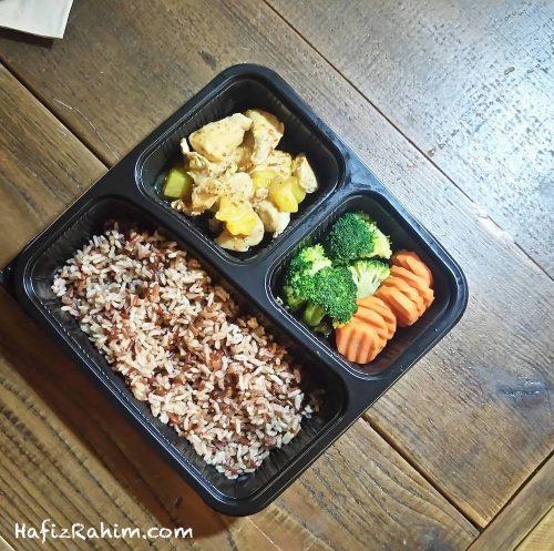 Multi Grain Brown Rice, Spicy Mango Chicken, Brocolli & Carrot
